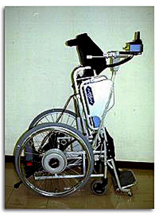スタンドアップ車椅子